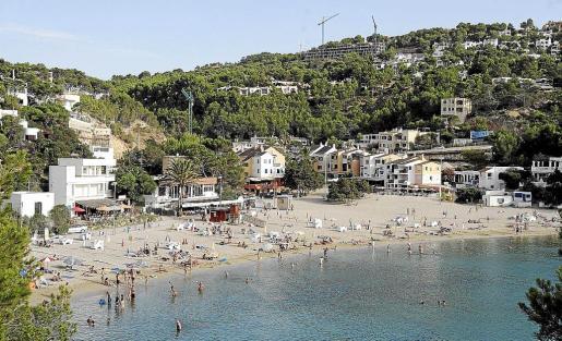 Imagen de archivo de la playa de Cala Vedella en el municipio de Sant Josep.