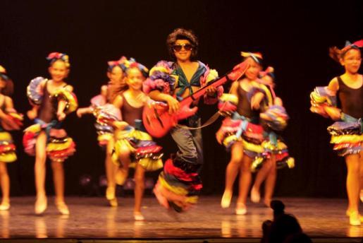 Los alumnos de Capricorn en un festival anterior