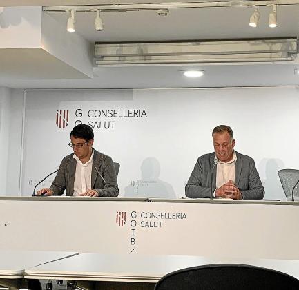 Iago Negueruela y Llorenç Pou, ayer, durante la comparecencia de prensa.