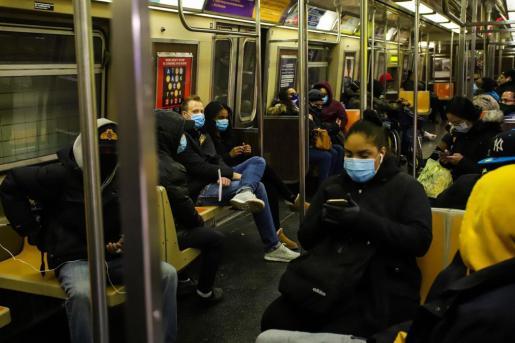Imagen del metro de Nueva York durante la pandemia del coronavirus.