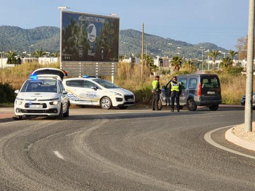 Un control policial en Sant Antoni.