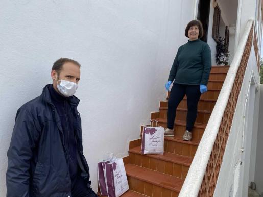 Sant Josep lanza el servicio Biblioteca a Domicili para llevar los libros a casa de los lectores durante el confinamiento