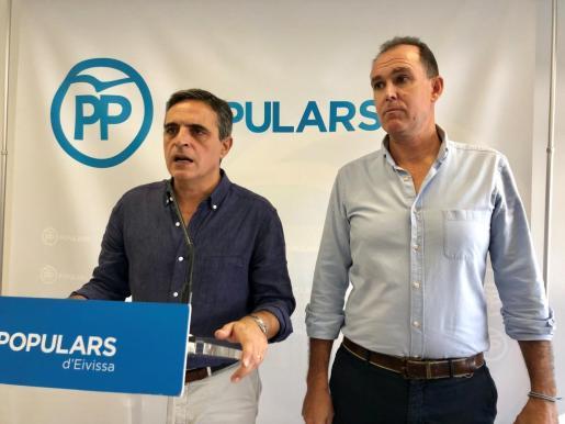 Marí Bosso y Jacobo Varela, durante un acto de partido.