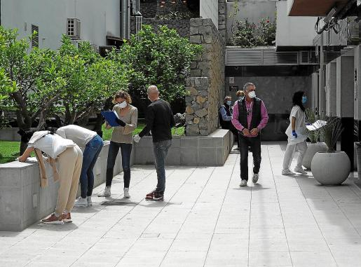 Ayer se realizaron pruebas a agentes de la isla en la Policlínica Nuestra Señora del Rosario.