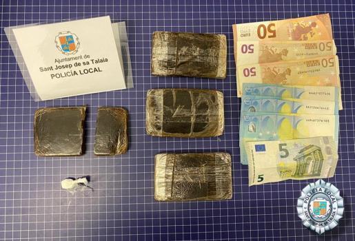 Material incautado por parte de la Policía Local de Sant Josep.