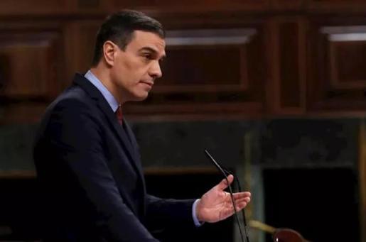 El presidente del Gobierno, Pedro Sánchez, durante su comparecencia en el pleno celebrado este miércoles en el Congreso, para exponer los resultados de los últimos consejos europeos y los motivos por los que solicita una nueva prórroga del estado de alarm - Pool