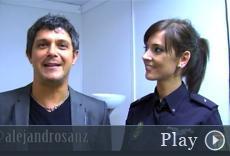 Fotograma del video donde Alejandro Sanz da consejos sobre el uso de las redes sociales.