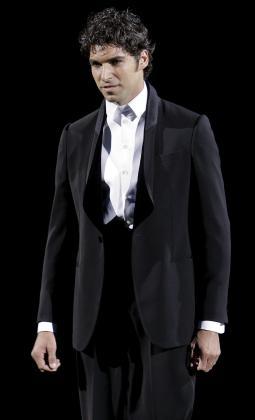Cayetano ya hizo sus pinitos en la moda, de la mano del italiano Giorgio Armani.