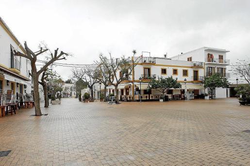 Establecimientos de restauración cerrados en Santa Gertrudis.