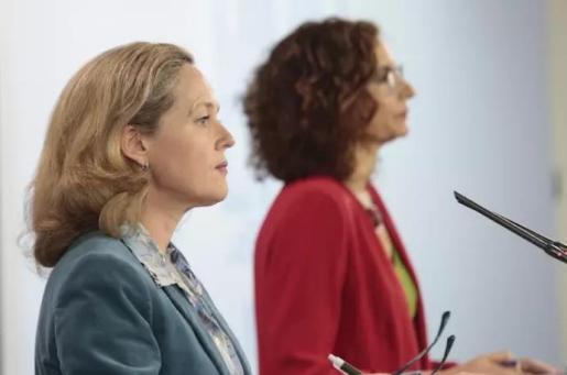 La ministra de Asuntos Económicos y de Transformación Digital de España, Nadia Calviño, y la Ministra de Hacienda y portavoz del Gobierno, María Jesús Montero - MONCLOA