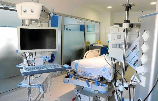 Imagen de una de las salas de la UCI de Can Misses, que dos personas han abandonado desde el pasado domingo.