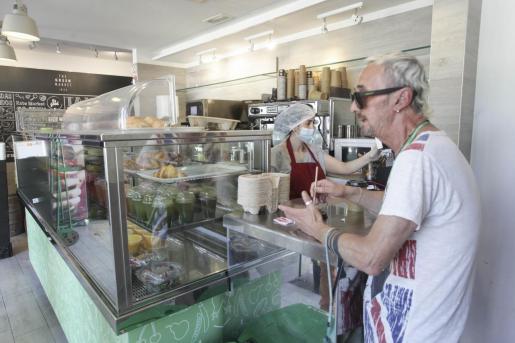La restauración de Ibiza se adapta poco a poco a su nueva realidad.