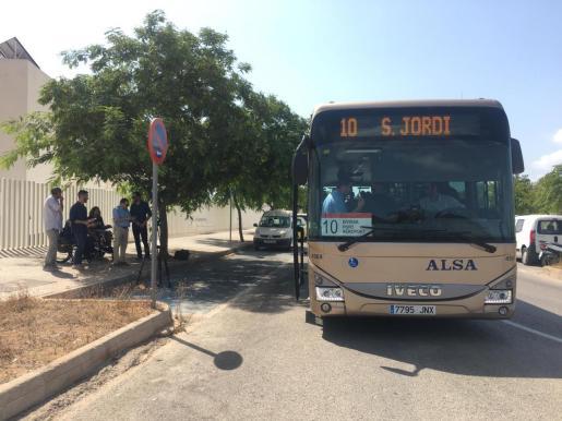 Un autobús correspondiente a la línea L10.