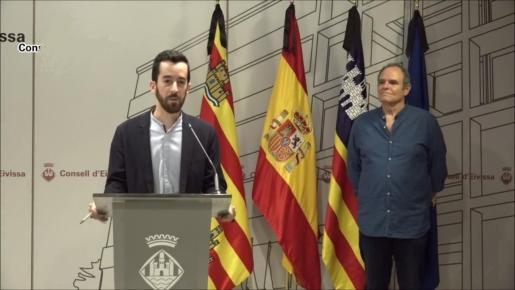 El conseller de Transport, Javier Torres y el concejal de Mobilitat de Vila, Aitor Morrás.