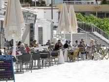Imagen de una terraza de la ciudad de Ibiza.