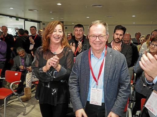 Armengol, con Josep Marí Ribas 'Agustinet', el día en que éste fue elegido secretario general de los socialistas ibicencos.