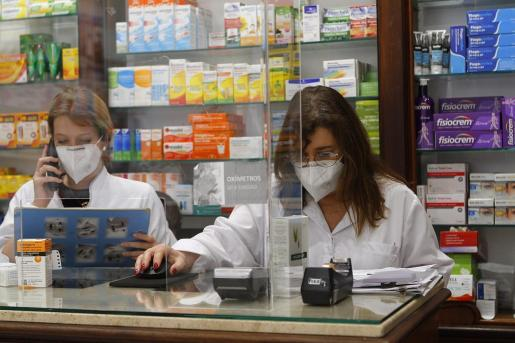Imagen de una farmacia de Palma.
