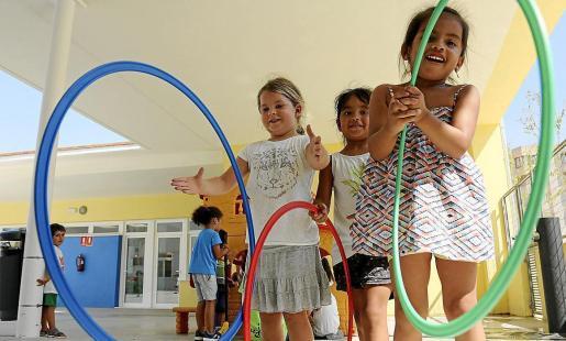 El Ejecutivo quiere que los colegios abran para las actividades de ocio durante estos meses.