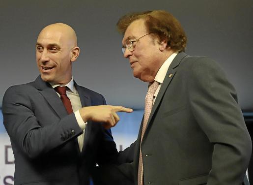 Luis Rubiales y Miquel Bestard, en una imagen captada en la pasada edición de la Gala del Fútbol Balear.
