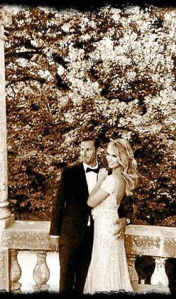 Patricia Conde junto a su esposo mallorquín el día de su boda