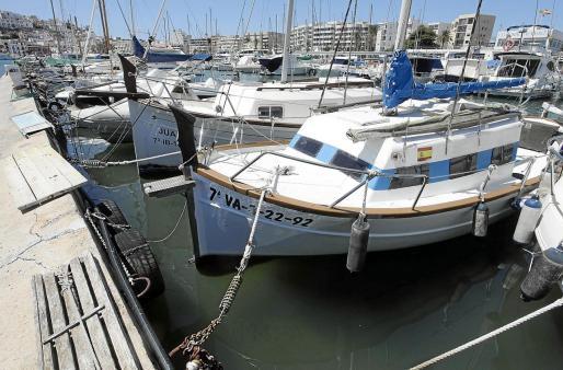 Varias embarcaciones atracadas en la concesión del Club Náutico de Ibiza.