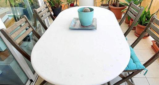 La mesa.