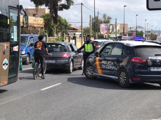 Un control de la Policía Nacional en Ibiza.