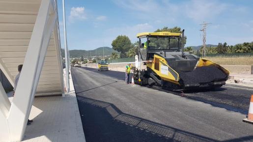 Una imagen de los trabajos de asfaltado.