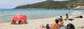 Ir a la playa y escuchar el mar
