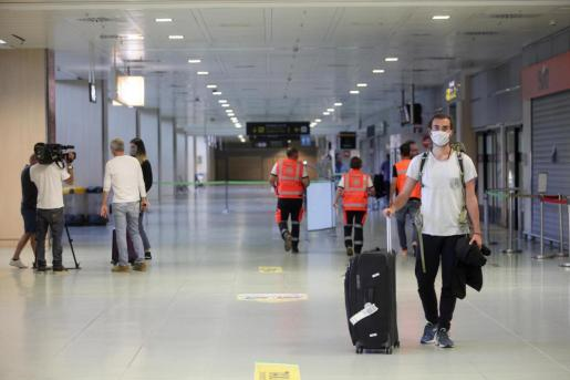 Aeropuerto de Ibiza durante el estado de alarma.