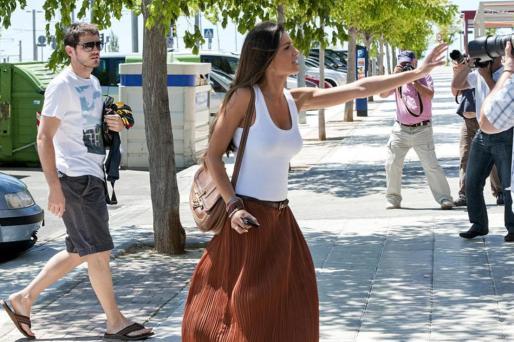 Sara Carbonero discute con los paparazzi.