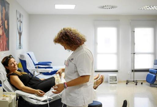 Imagen de archivo de una donación de sangre en Ibiza.