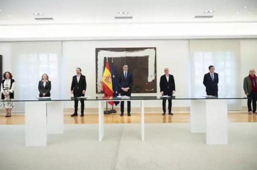El Gobierno y agentes sociales - Moncloa - Archivo