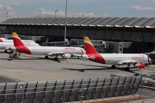 Varios aviones de Iberia aparcados en el Aeropuerto de Madrid-Barajas Adolfo Suárez. - Marta Fernández Jara - Europa Press