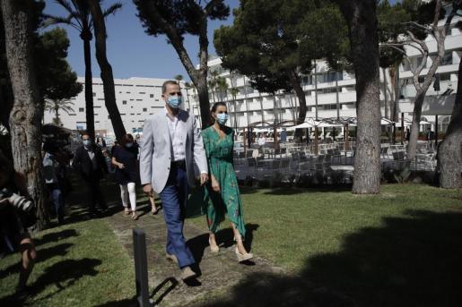 Los Reyes, a su llegada este jueves al hotel Iberostar Cristina.