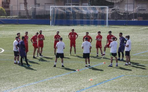 Una imagen de un entrenamiento reciente del primer equipo del CD Ibiza.