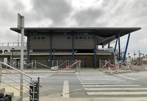 La estación marítima de La Savina cuenta con una de las antenas.