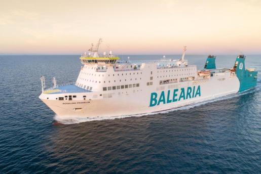 Un barco de Baleària.