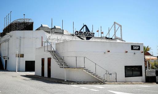 Imagen que presentaba ayer a media mañana la discoteca Amnesia tras el desalojo ejecutado horas antes por las autoridades.