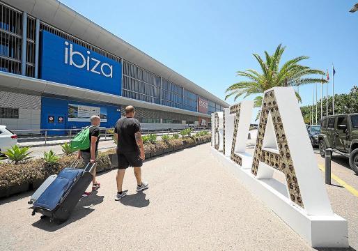 El aeropuerto de Ibiza no tiene tantas conexiones como el año pasado.
