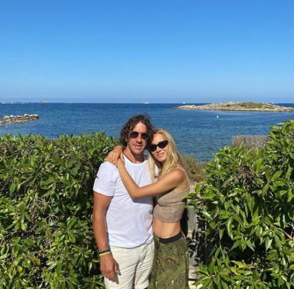 Carles Puyol y Vanesa Lorenzo durante sus vacaciones en Baleares.