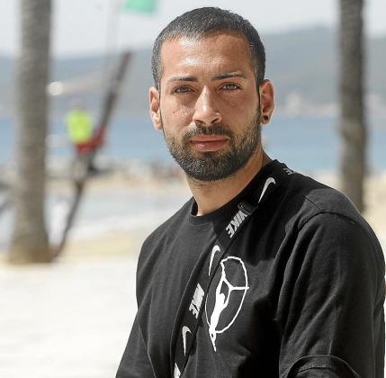 Salvatore Pizancio ayer en el paseo de Ses Figueretes.