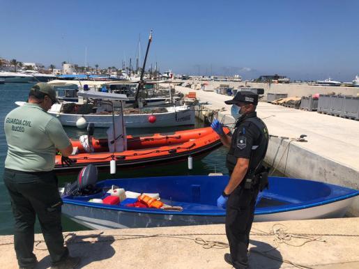 Imagen de la patera llegada a Formentera.