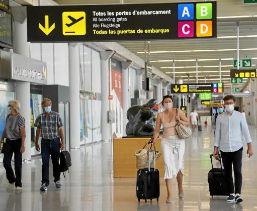 La actividad en el aeropuerto de Palma se ha incrementado de forma significativa en los primeros días de julio con el aumento de la conectividad aérea.