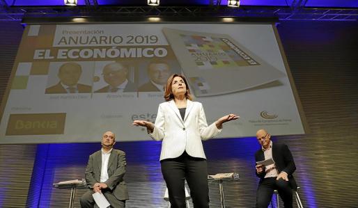 Paula Serra, editora de 'El Económico', presentó el acto desde el Palacio de Congresos de Palma junto a Pep Verger y Antoni Riera.
