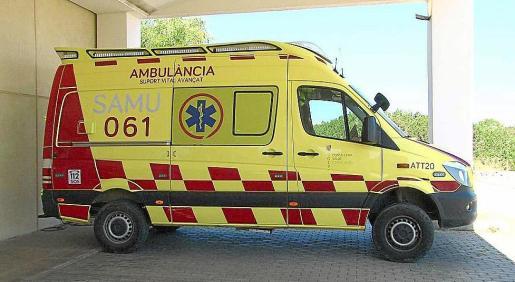 Imagen de archivo de una ambulancia del 061 en Formentera.