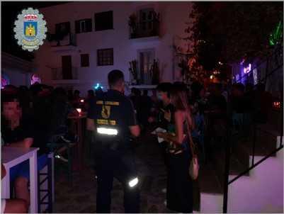 La Policía Local de Vila interviene en una fiesta privada en un local de ocio nocturno.