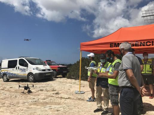 Equipo de vigilancia con dron para emergencias.