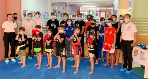 El 'no contact' es una especialidad deportiva del kickboxing creada en Ibiza que enfrenta a dos competidores con distancia suficiente para que no haya contacto.
