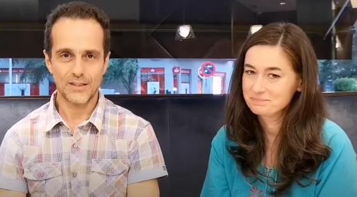 Captura del vídeo en el que aparecen los dos médicos.